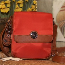 Casual Carrie Spice Crossbody Compact